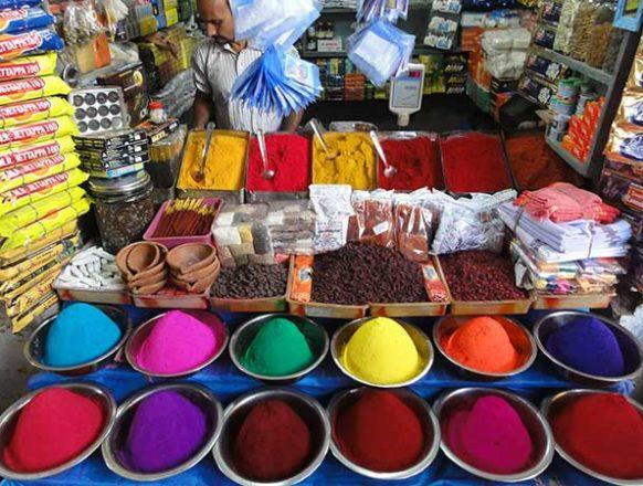 4_Selling-natural-colours-on-the-market_Mysore