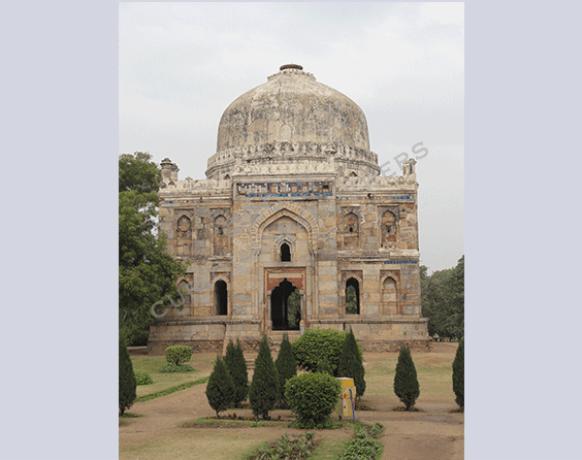 A-walk-through-Lodi-gardens