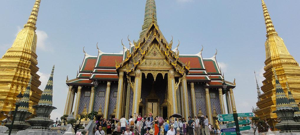 BANGKOK: THE CITY OF WARM PEOPLE AND SPICY FOOD